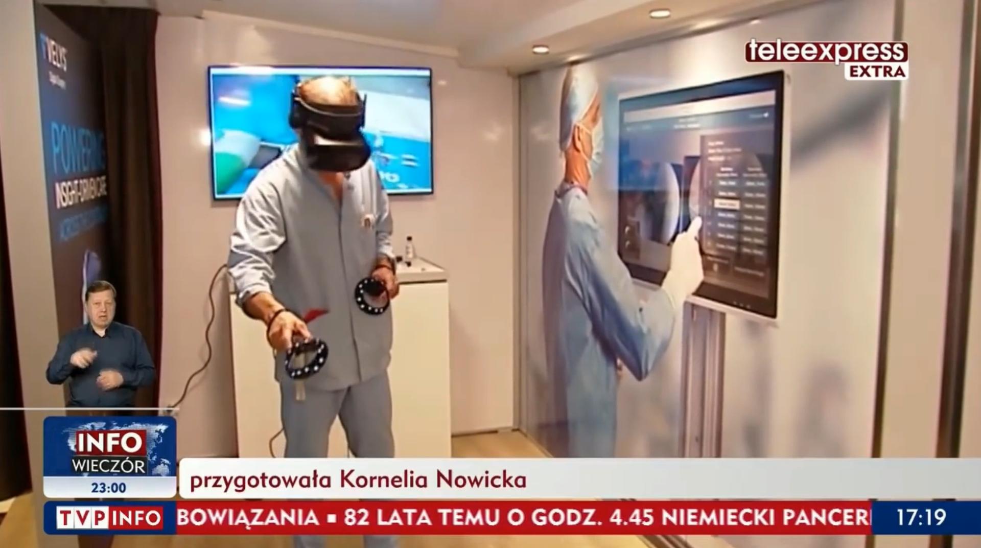 Lekarz podczas szkolenia przy uzyciu wirtualnej rzeczywistosci, klatka z materiału dla Teleexpress extra.